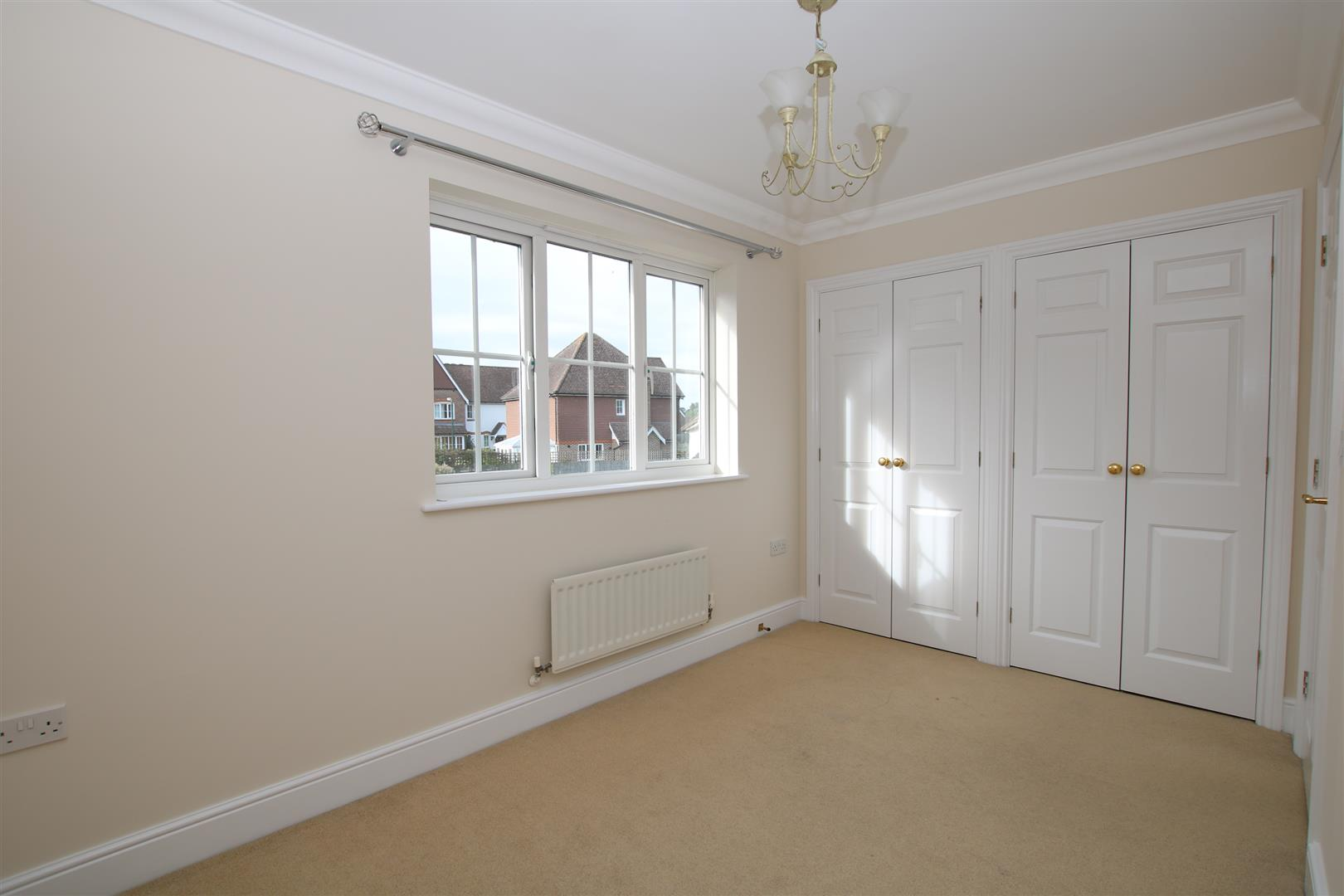 Halls Drive, Faygate, Horsham